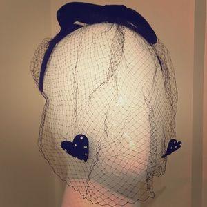 Vintage headband Veil with black velvet hearts 💕